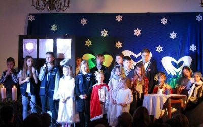 """Bożonarodzeniowy musical """"Nauczmy się żyć obok siebie"""", występy z okazji dnia babci i dziadka…"""