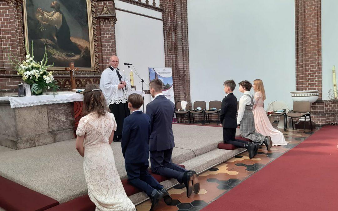 Nabożeństwo z Konfirmacją sześciorga młodych parafian